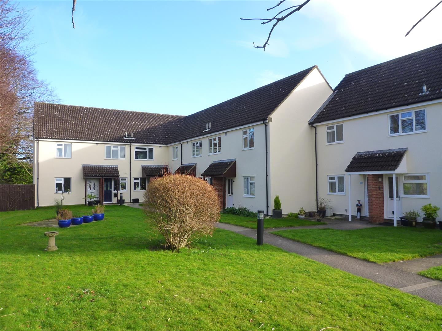 2 Bedrooms Flat for sale in Edington, Westbury